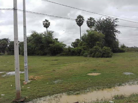 Land for sale 5572m2 in the corner of 3 roads