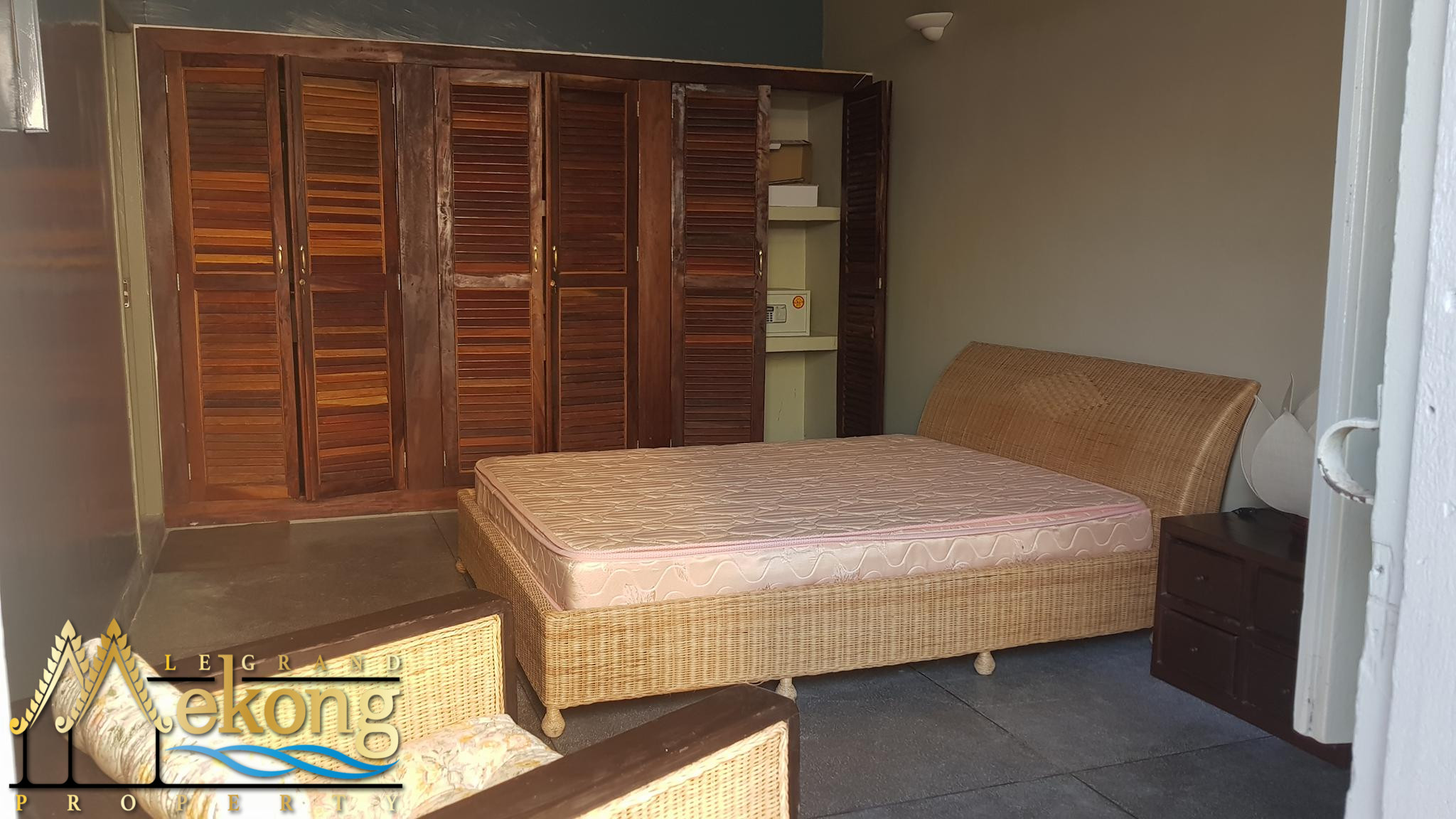 1 bedroom corner apartment for rent on the first floor in Daun Penh | LGM309