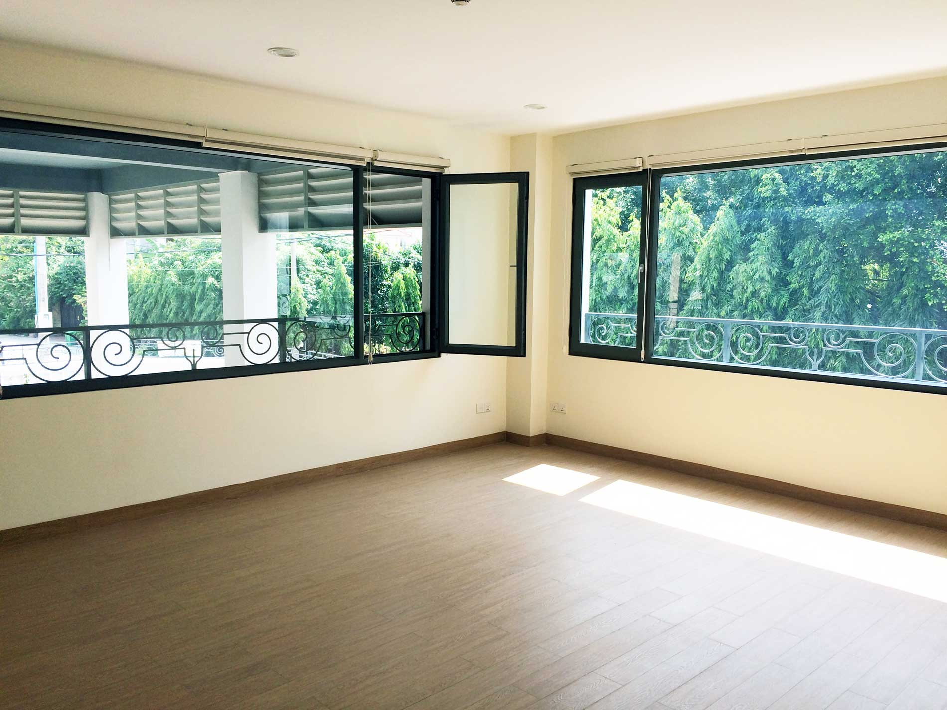 2 Office space 28 m2